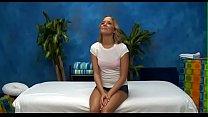 Девушка делает массаж девушке и тоже раздевается видео