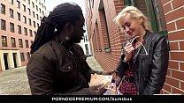 BUMS BUS - Sexy Czech blonde Daisy Lee experien...