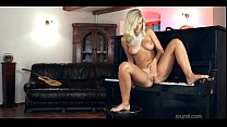 Sweetheart is thrilled by a solo play - Download mp4 XXX porn videos