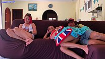 Creampie her next to girlfriend while she watches TV صورة