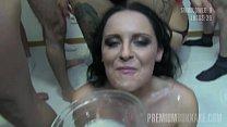 Premium Bukkake - Lola swallows 52 huge mouthful cum loads Vorschaubild
