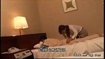 [中文](HOT)讓按摩到府服務的漂亮熟女看到男人打手槍再進行猥褻行為 1
