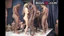 Men wait in line to fuck this slut - free porn video Vorschaubild