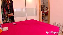 Basque slut fucks the delivery guy while broadc...