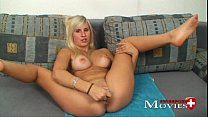 Porn Interview wirth blonde Teen-Model Jill 18y