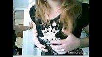Webcam Girl Girlfriends Mum Showing Tits thumbnail