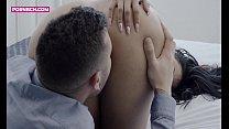 4K Porn For Women / Recien divorciada y libre seduciendo al joven y apuesto tasador / Kevin White - Canela Skin / Porno español para mujeres缩略图