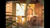 Loira novinha gostosa e flagrada por câmera escondida trepando na chácara. Sexo amador real. Sexo oral e anal.