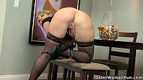 American milf Dee Williams fingers her hungry pussy thumbnail