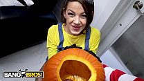 BANGBROS - Trick Or Treat, Smell Evelin Stone's Feet. Bruno Gives Her Something Good To Eat. - 9Club.Top