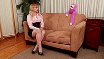 Purple Chimp Enforces Patriarchy By Making Station Manager Suck His Penis to Keep Her Mediocre Dead- Vorschaubild