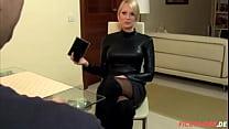 Versaute Blonde Frau auf online Portal (FickTin... Thumbnail