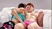 Footfetish masseuse gets pussylicked