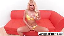 London Keys Decides To Show Vanessa How She Likes It's Thumb