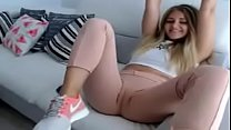 Blonde showing the cameltoe thumbnail