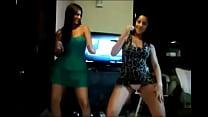 2 Sexy Teens Shaking ass
