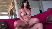 Invited by the neighbor, this MILF is so horny that while she waits she starts masturbating alone