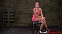 Bdsm whore gets fingered Vorschaubild