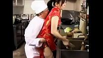 กุ้กสุดเงี่ยนพาสาวเสิร์ฟมาเย็ดในห้องครัว จัดกระแทกหีท่าหมาซอยเน้นๆเอาซะเสียวน้ำเงี่ยนพุ่ง