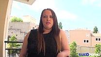 Elle essai le chibre d'un blanc et se fait défoncer [Full Video] Vorschaubild