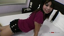 Naive Thai girl receives giant load of jizz on her face