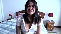 Cute fat Thai girl loves to suck cock and get f...