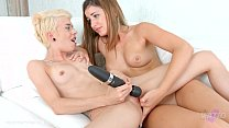 Lovemaking the lesbian way with Chica la Roxxx ...