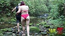 Trepei com um desconhecido na cachoeira, no final a cachoeira foi de porra. Estrelando Mary RedQueen
