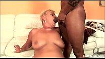 Mature Amanda fuked by two big black cock Vorschaubild