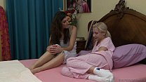India Summer and Odette Delacroix [작은 가슴 Small Tits]