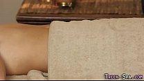Duped teen spunk masseur Vorschaubild