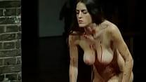 Luciana Paes nua em peça de teatro