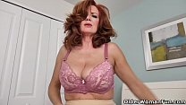American milf Andi James rubs her pantyhosed pussy's Thumb