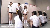 Gruppen af gym piger blæser og rider store pik