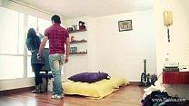 Aventuras sexuales en el apartamento de soltero