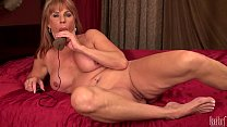 Sexy mature lady Rae Hart play with electric dildo in bedroom video