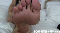 I Want To Show My Feet Off For You
