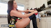 xnxx - Juan El Caballo Loco Has A MILF Neighbor, Ariella Ferrera, Who Is DTF