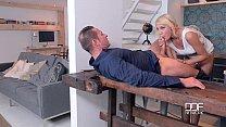 Threesome Fantasies Gorgeous Blonde Gets Stuffed By 3 Studs Vorschaubild