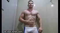 onlyfans.com/zakrogerz Enthusiastic Jock Flexing In Tight Spandex Zak Rogerz Bulges