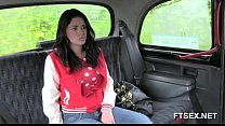 Xxxvidz » brunette babe doesn't want to pay the taxi driver thumbnail