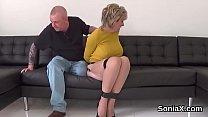 Adulterous english mature gill ellis displays her heavy tits Vorschaubild