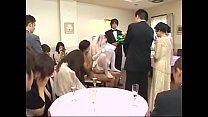 Cô dâu phục vụ quan viên 2 họ trong lễ cưới | F...