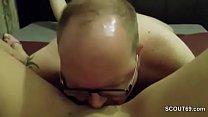 Deutsche Hure wird vom Freier in Arsch gefickt in SexTape thumbnail