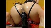 huge dildo make her pussy cumhard (new)