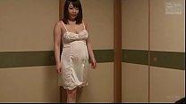 Japanse stiefmoeder ontdekt echtgenoot zoon jasturbating (Zie meer: bit.ly/2Snion5)