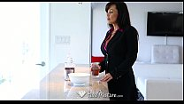 Hd - Puremature Busty Lisa Ann Loves To Taste Cum