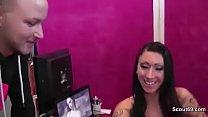 German Pornstar Tracy Fuck with Stranger Fan direkt auf Messe Vorschaubild