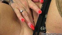 UK gilf Camilla lets a pocket vibrator hum away on her clit Vorschaubild