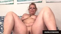 A Fucking Machine Makes Horny Grandma Kelly Leigh Climax video